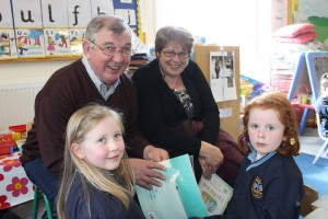 Grandparents reading Day Junior Infants 008